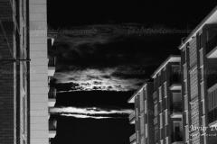 luna-esondida-bn-scaled