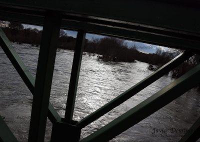 A ras de puente